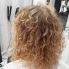 Istället för att bleka sönder håret