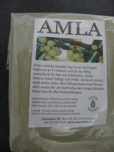 Amla Förgyller blonda hår, c-vitaminrik energikick för hår och hårbotten