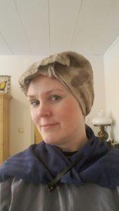 Här har jag har örter och handduk på håret